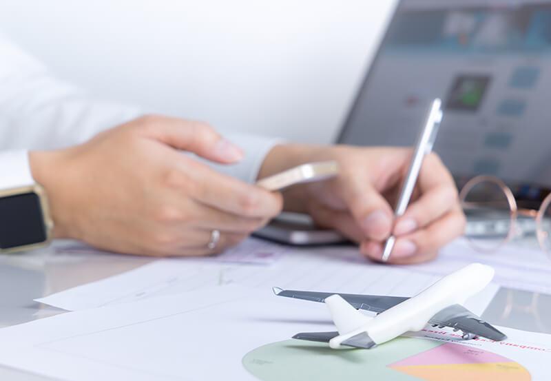 海外旅行保険に空港で加入する時の方法